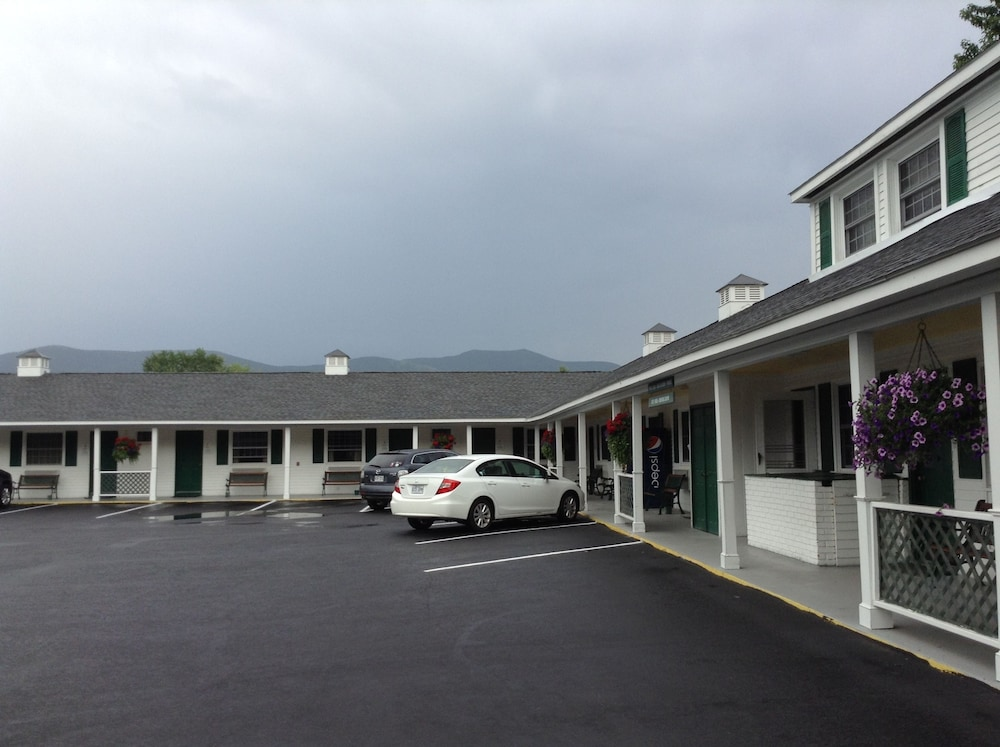 Property Entrance, Briarcliff Motel