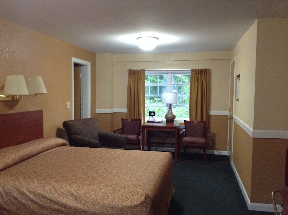 Room, Briarcliff Motel