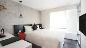 羽絨被、房內夾萬、書桌、免費 Wi-Fi