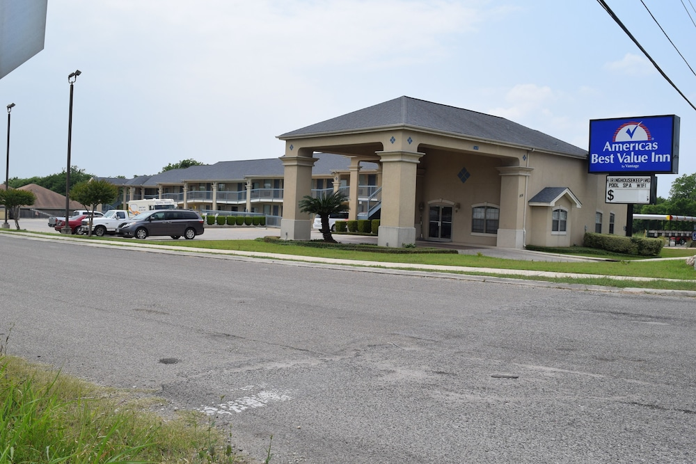Front of Property, Americas Best Value Inn New Braunfels San Antonio