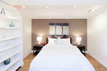 Grand Studio Suite - Guestroom