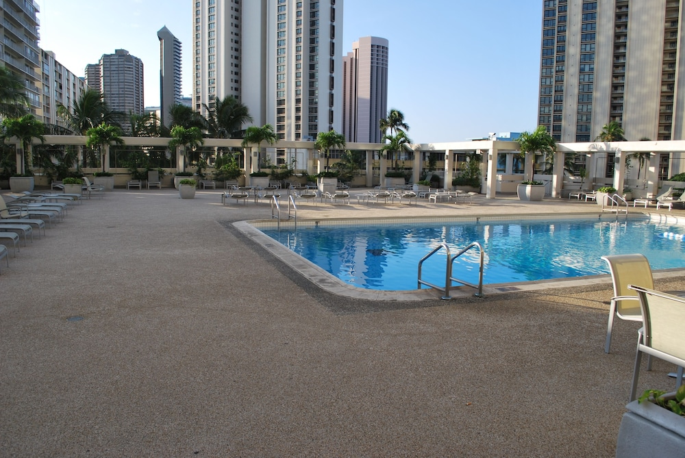 Outdoor Pool, Ala Moana Hotel by LSI Resorts