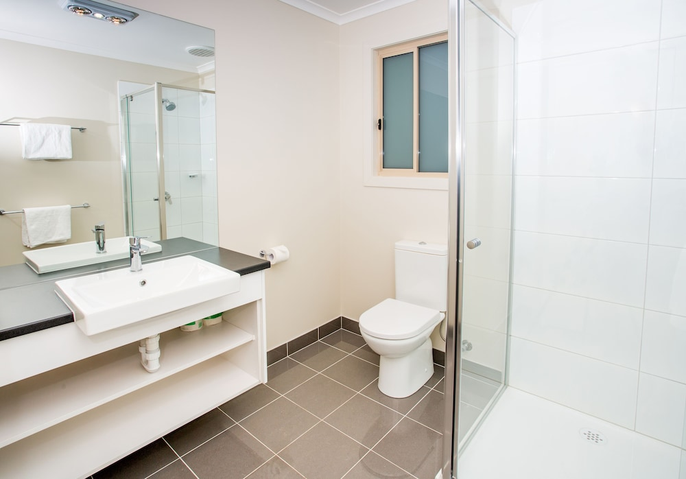 Bathroom Shower, Discovery Parks - Dubbo