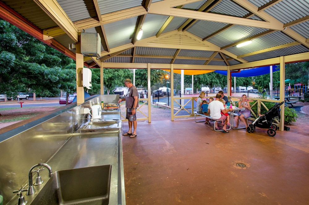 BBQ/Picnic Area, Discovery Parks - Dubbo