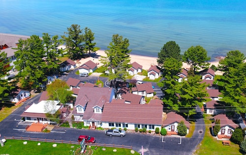 Great Place to stay The Beach House near Mackinaw City