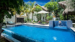 3 outdoor pools, open 8:00 AM to 10:30 PM, free pool cabanas