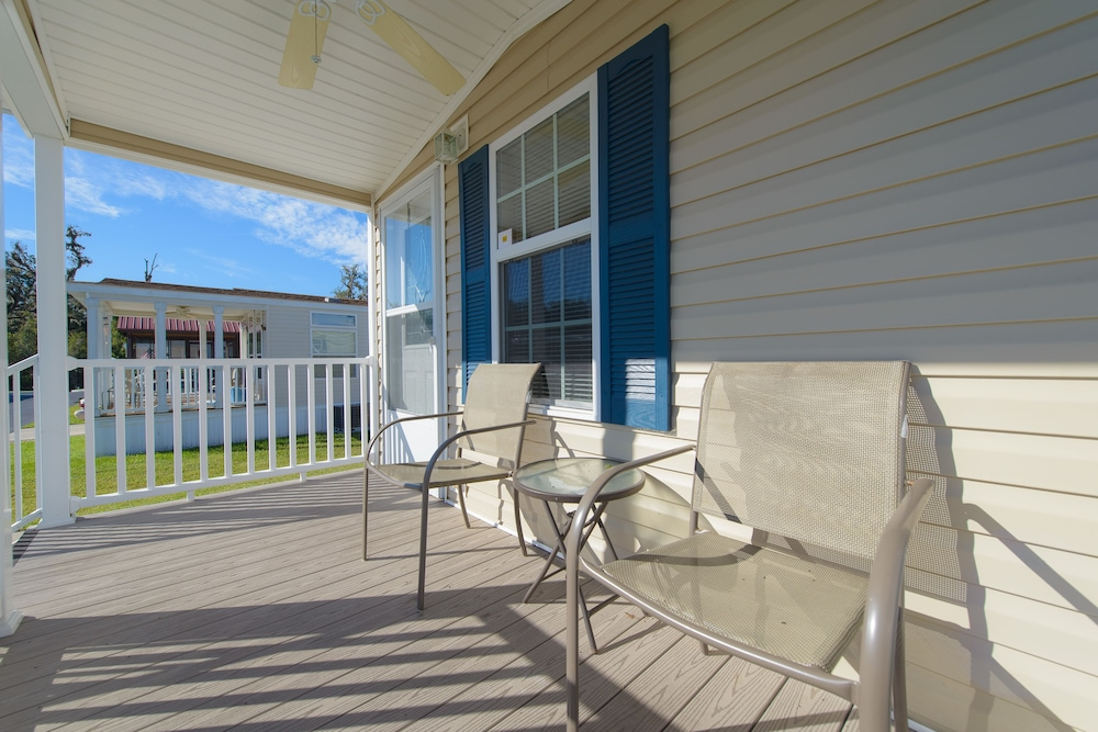 Porch, Blueberry Hill RV Resort