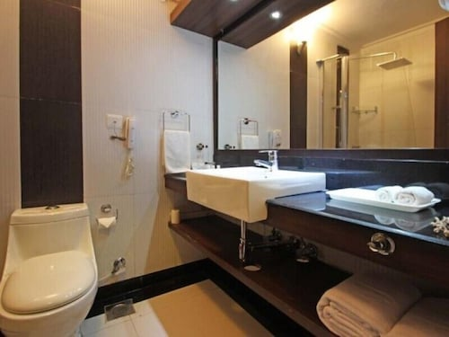 Bathroom, Nagoa Grande