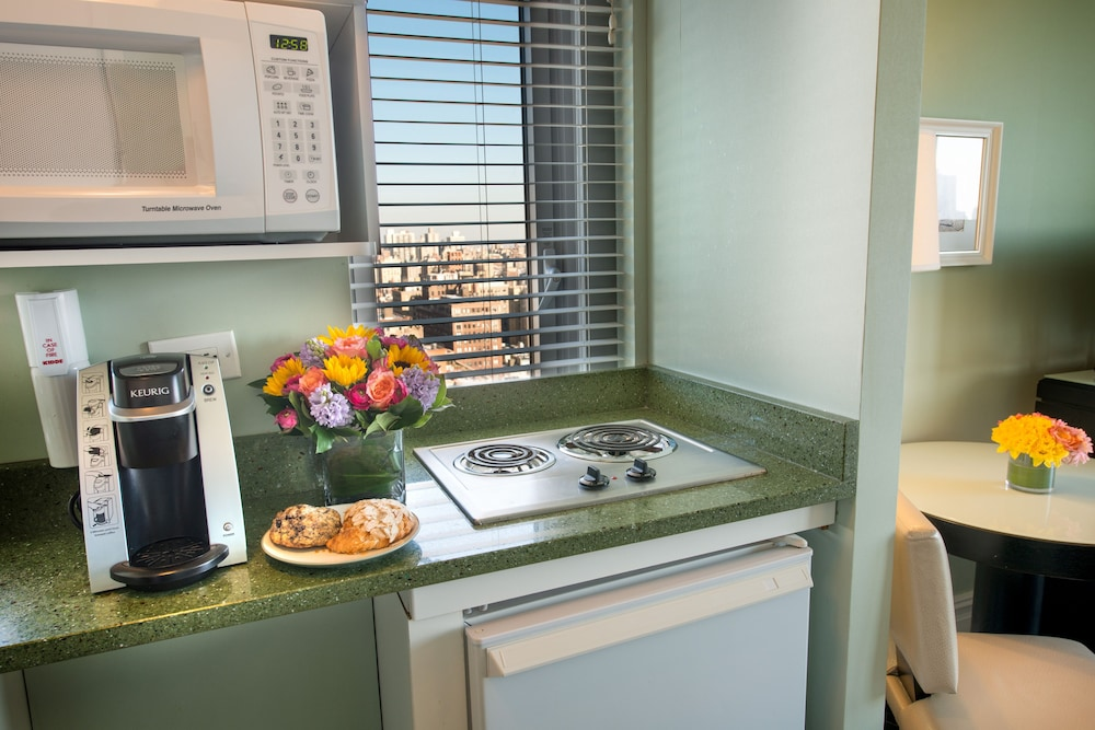 Private Kitchenette, Hotel Beacon