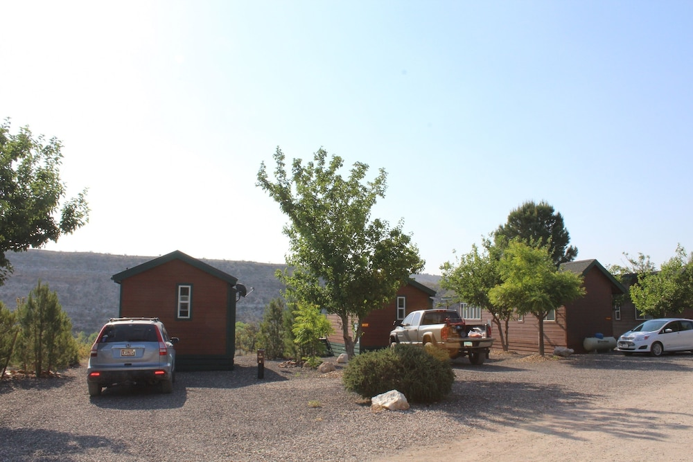 Parking, Verde Valley RV & Camping Resort, a Thousand Trails Property