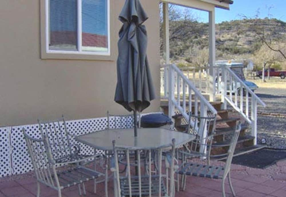 Terrace/Patio, Verde Valley RV & Camping Resort, a Thousand Trails Property