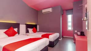 Premium bedding, down duvet, desk, free WiFi