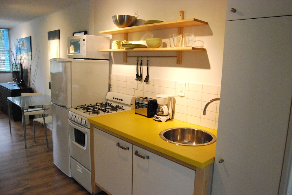 Private Kitchen, BCA Furnished Apartments