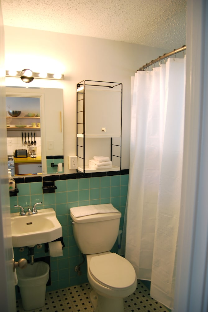 Bathroom, BCA Furnished Apartments