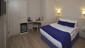 Een minibar, een kluis op de kamer, gratis wifi