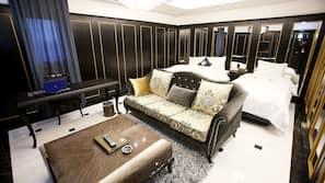 고급 침구, 객실 내 금고, 책상, 방음 설비
