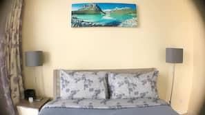 2 bedrooms, free minibar items, desk, iron/ironing board