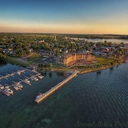 1000 Islands Harbor Hotel