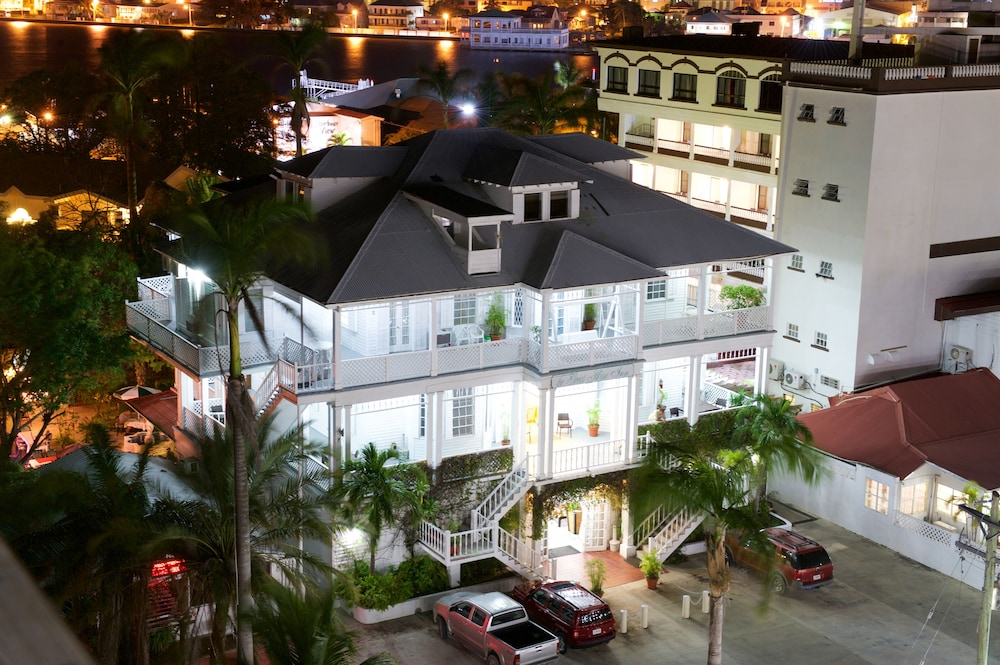 Search hundreds of travel sites at once for hotels in Belize City
