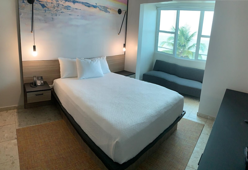Room, The Tryst Beachfront Hotel