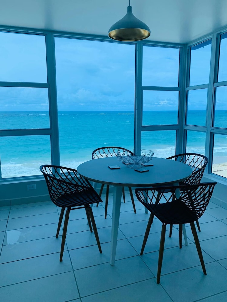 In-Room Dining, The Tryst Beachfront Hotel