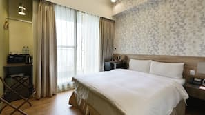 房內夾萬、免費 Wi-Fi、床單