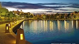 Regal Apartments - East Perth Hotels