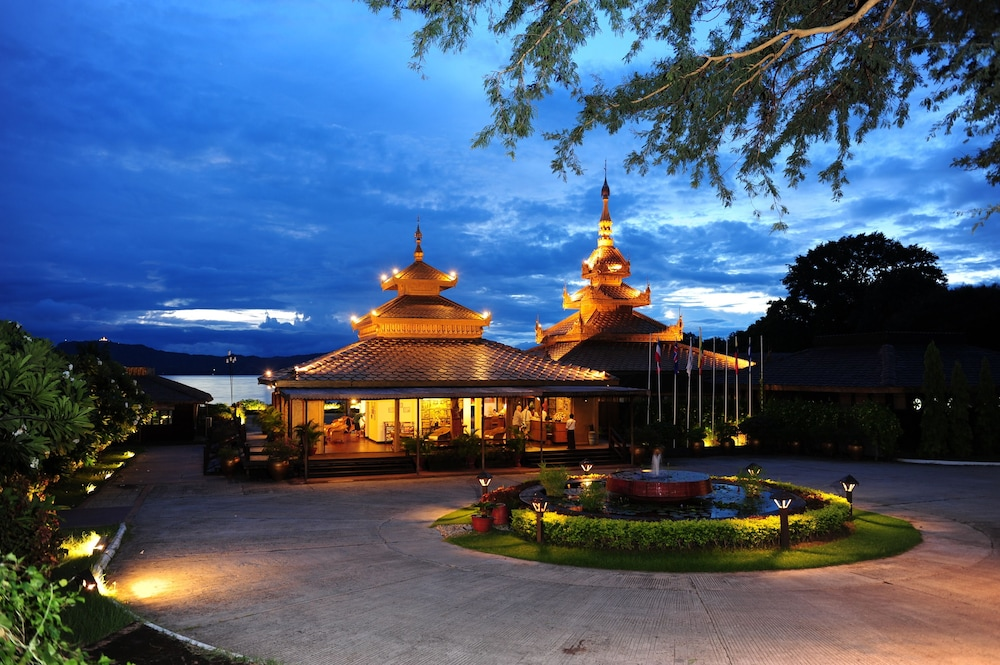 Front of Property - Evening/Night, Bagan Thiripyitsaya Sanctuary Resort