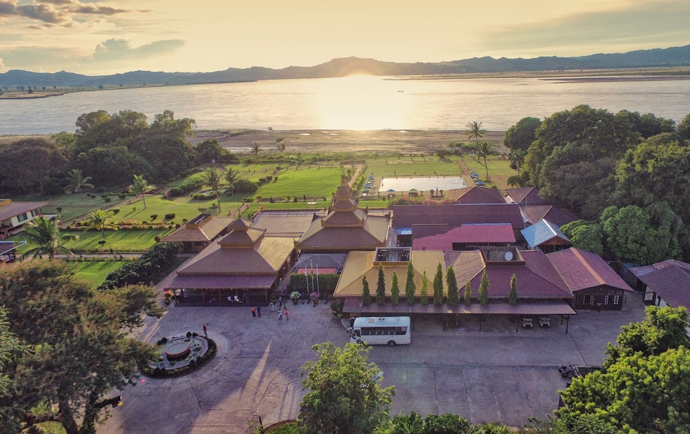 Aerial View, Bagan Thiripyitsaya Sanctuary Resort