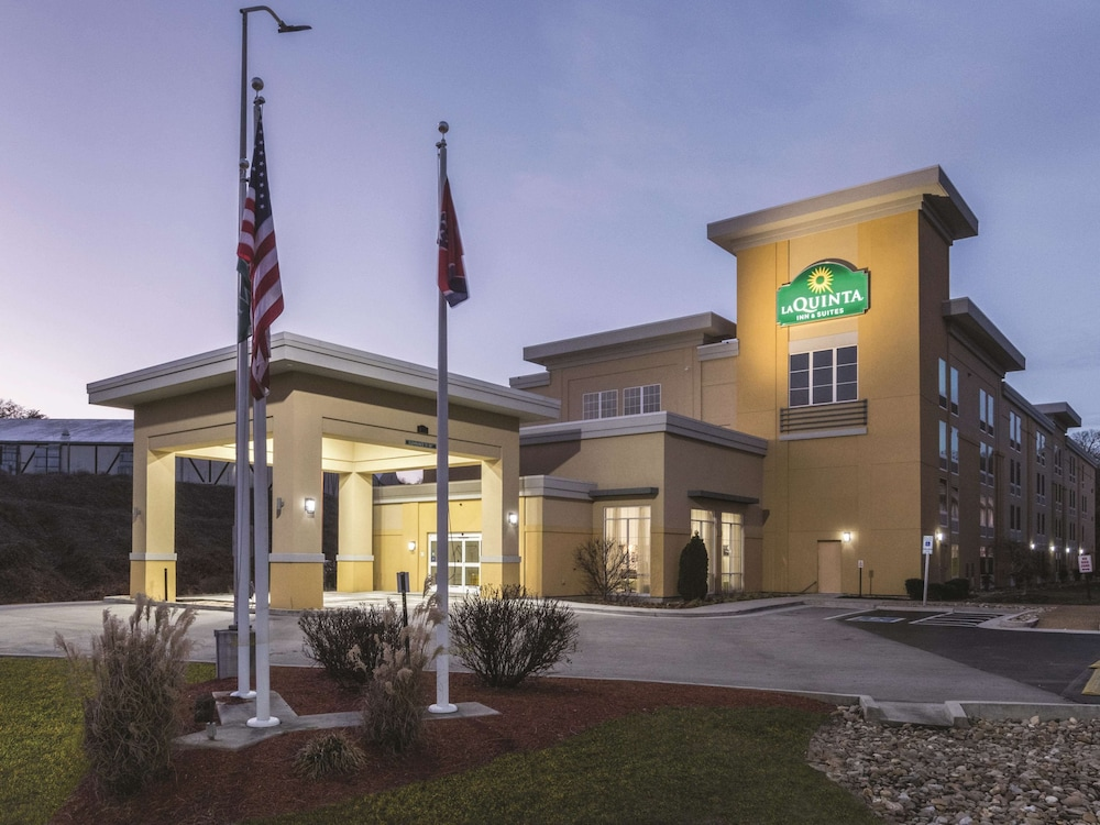 Featured Image, La Quinta Inn & Suites by Wyndham Knoxville Papermill