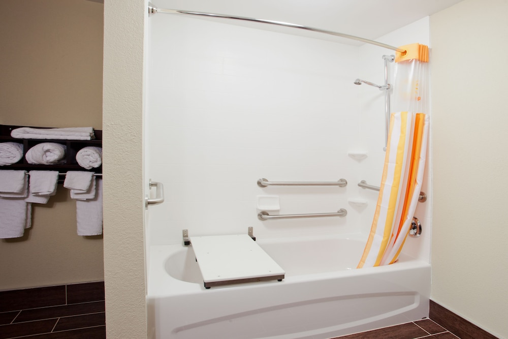 Bathroom, La Quinta Inn & Suites by Wyndham Knoxville Papermill