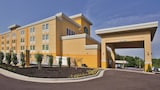 La Quinta Inn & Suites Knoxville Central Papermill - Knoxville Hotels