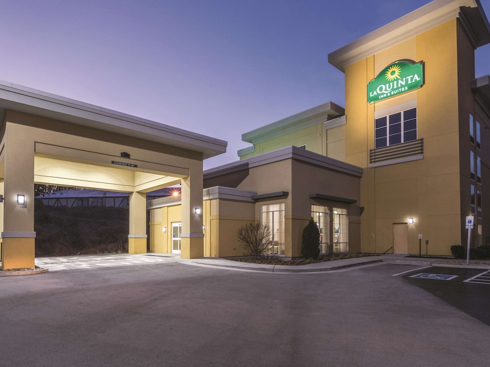 Exterior, La Quinta Inn & Suites by Wyndham Knoxville Papermill