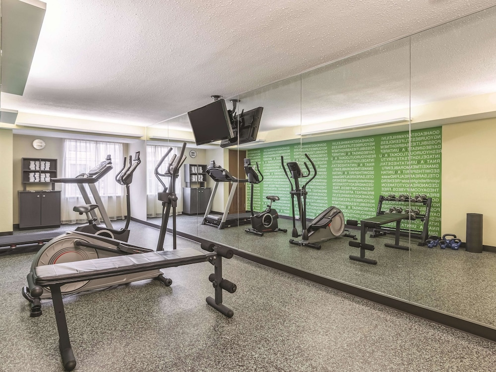 Fitness Facility, La Quinta Inn & Suites by Wyndham Knoxville Papermill