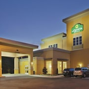 La Quinta Inn & Suites Knoxville Central Papermill