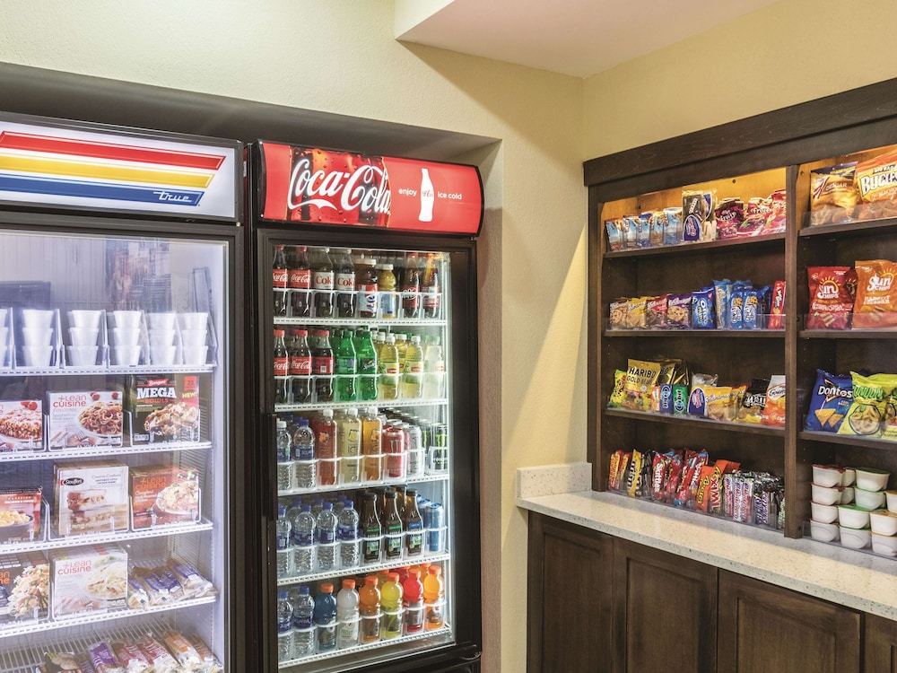 Property Amenity, La Quinta Inn & Suites by Wyndham Knoxville Papermill