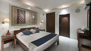 Minibar, in-room safe, blackout curtains, free WiFi