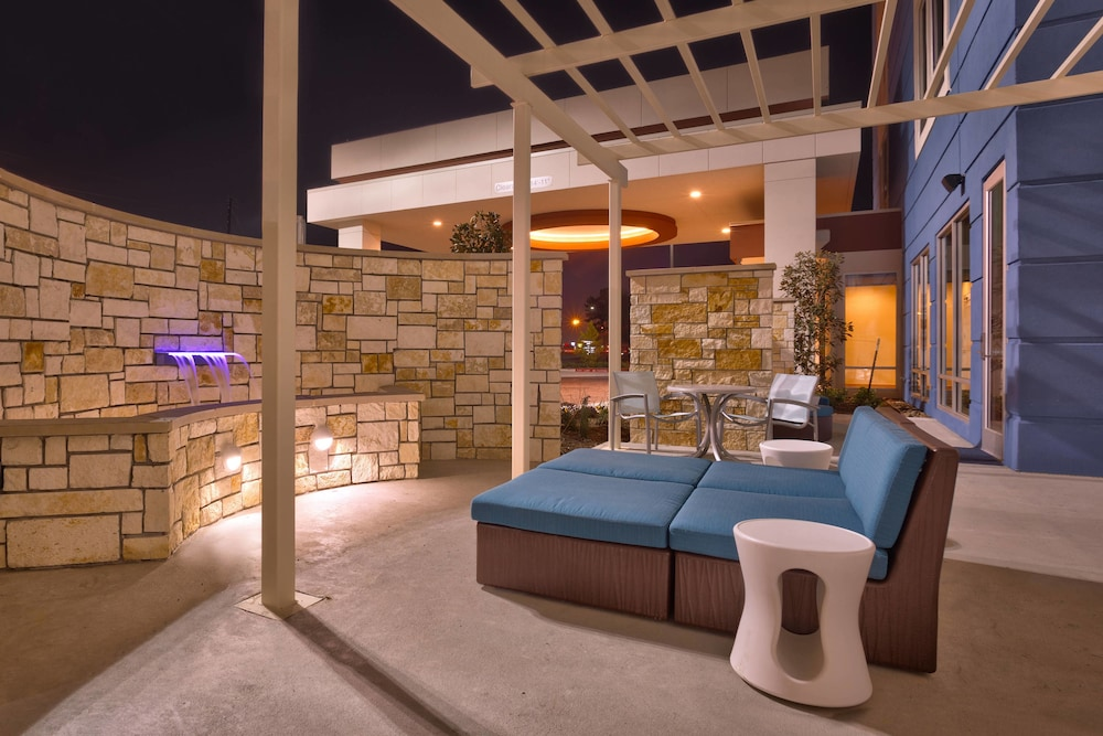 Terrace/Patio, Springhill Suites Houston I-45 North