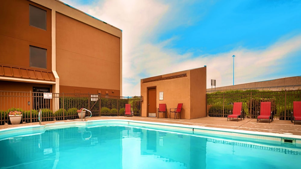Outdoor Pool, Best Western Hopkinsville