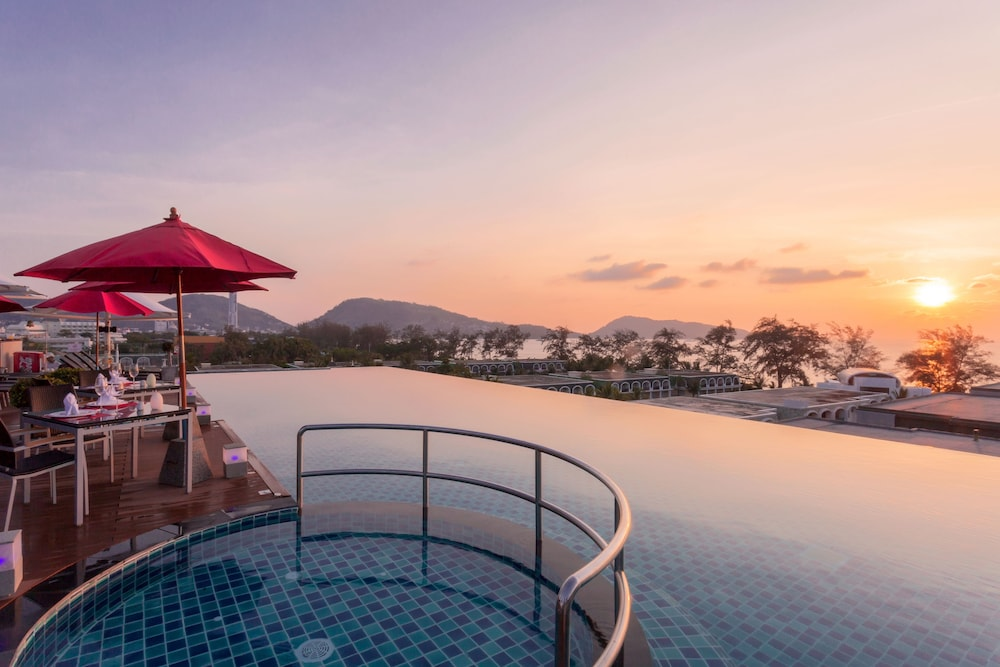 Infinity Pool, The Charm Resort Phuket