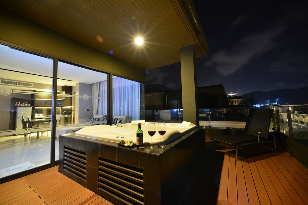 Jetted Tub, The Charm Resort Phuket