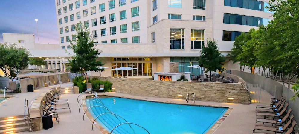 Pool, Hilton Dallas/Plano Granite Park