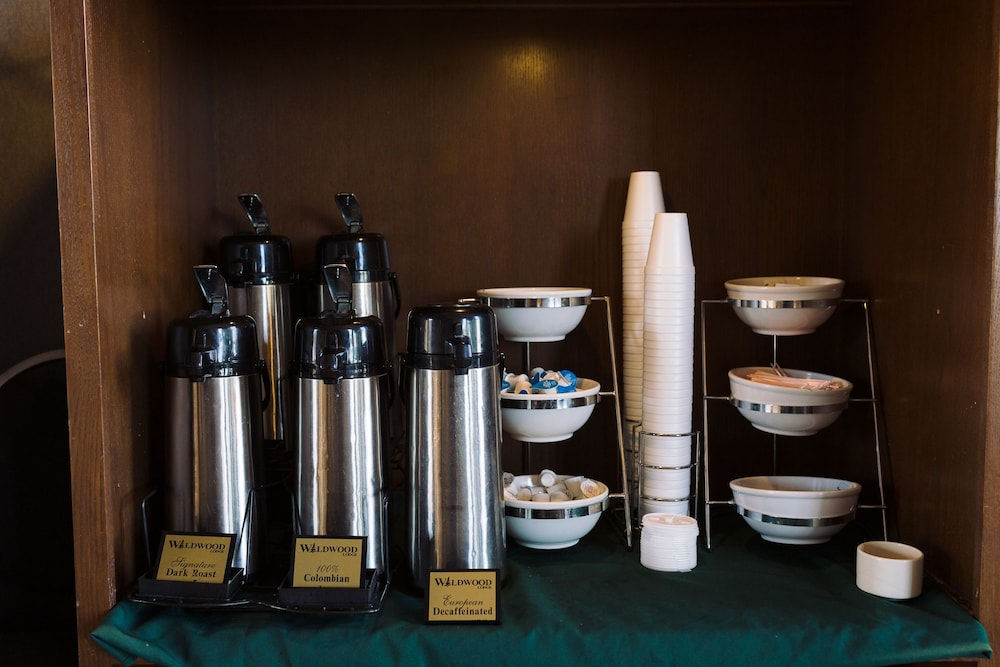 Coffee Service, Wildwood Lodge