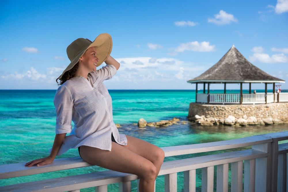 Seagarden Beach Resort All Inclusive In Montego Bay Hotel Rates Reviews On Orbitz