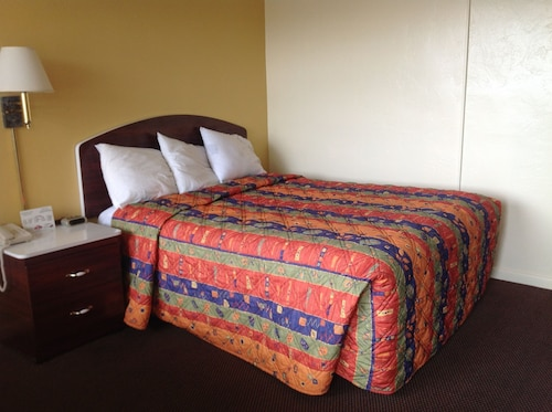 Great Place to stay Economy Inn near Okeechobee