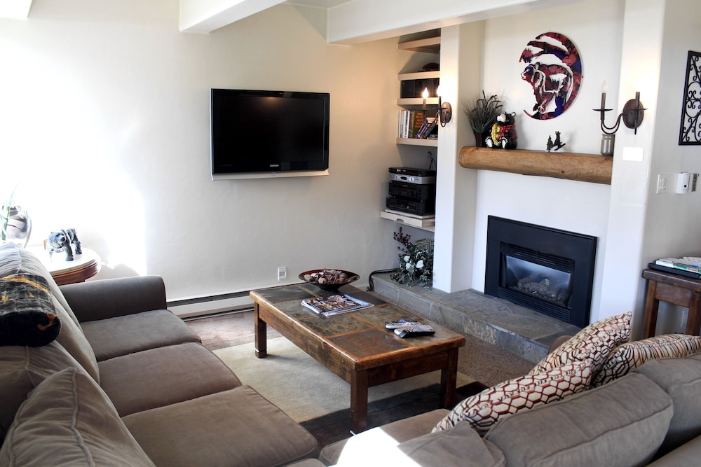 Living Area, Vail International Condominiums