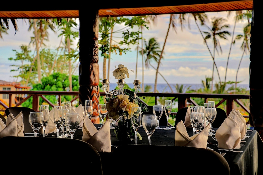 Dining, Return to Paradise Resort and Spa