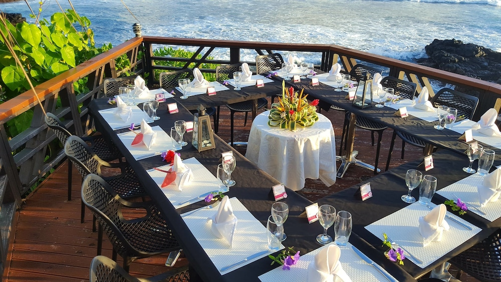 Outdoor Dining, Return to Paradise Resort and Spa