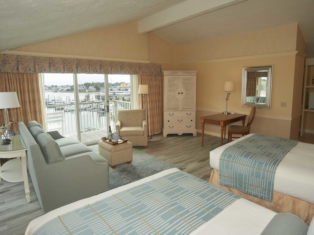 Room, Anchor In Distinctive Waterfront Lodging