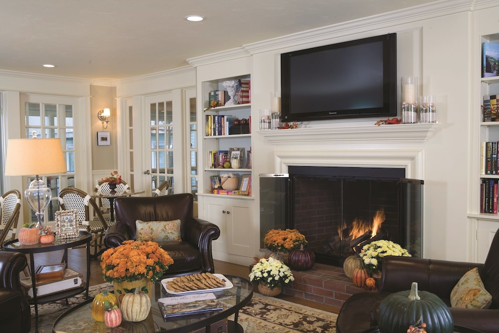 Fireplace, Anchor In Distinctive Waterfront Lodging